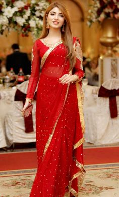 Shadi Dresses, Pakistani Formal Dresses, Pakistani Wedding Outfits, Pakistani Dress Design, Indian Dresses, Indian Outfits, Saree Wearing Styles, Saree Styles, Stylish Dresses For Girls