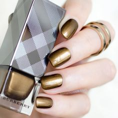 The most flattering gold nail polish - Burberry Antique Gold. All details: http://sonailicious.com/burberry-antique-gold-review-swatches/