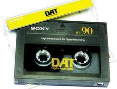 Cassette DAT Sony 90 - www.remix-numerisation.fr - Rendez vos souvenirs durables ! - Sauvegarde - Transfert - Copie - Digitalisation - Restauration de bande magnétique Audio - MiniDisc - Cassette Audio et Cassette VHS - VHSC - SVHSC - Video8 - Hi8 - Digital8 - MiniDv - Laserdisc - Bobine fil d'acier - Micro-cassette - Digitalisation audio - Elcaset