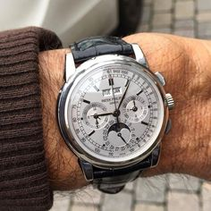 ndeed The Best, Chronograph Grand Complication Patek Philippe Perpetual Calendar Moonphase & Chronograph Ref. Stylish Watches, Luxury Watches For Men, Cool Watches, Men's Watches, Wrist Watches, Mens Designer Watches, Beautiful Watches, Watch Brands, Men's Accessories