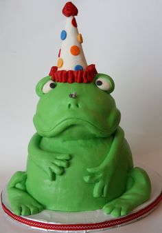 Frog cake with fly on nose