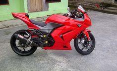 Simple Modification atau modif sederhana untuk Kawasaki Ninja 250 merah