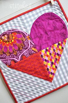 Sweetheart Quilt Block || Lindsey of LRstitched for  Sew,Mama,Sew!