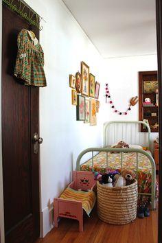 Twiggy and Lou: Vintage kids room