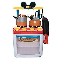 Turn up the pretend play fun with Disney toys that inspire imagination. Mickey and Minnie Mouse and favorite characters from Disney, Marvel and Star Wars make great toys.