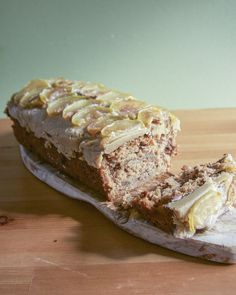 Apple and Walnut Loaf with Fudgey Caramel Icing  I don't know about you, but I am starting to really feel the briskbreeze of autumn floating through the air. It's bright a…