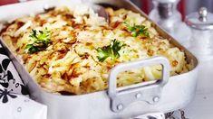 Helppo broileri-savujuustokiusaus syntyy nopeasti. Syö sekä edullisesti että hyvin. Tämäkin resepti vain n. 1,70 €/annos*. Egg Recipes, Cooking Recipes, Poultry, Macaroni And Cheese, Food And Drink, Chicken, Baking, Ethnic Recipes, Koti