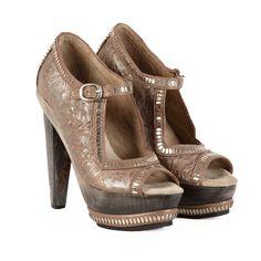 Calleen Cordero-Prita wood heel