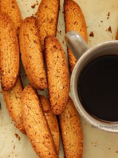 Food for thought: Biscotti με αμύγδαλα Italian Biscuits, Bread Art, Greek Recipes, Biscotti, Food For Thought, Food To Make, French Toast, Food And Drink, Sweets