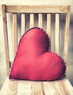 Selbst gemachter Kissenbezug als bestes Geschenk zum Mutterstag oder Valentinstag!Charmante Kissenhülle nähen