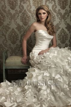 """Ball Gown Strapless Sweetheart Taffeta A-Line Wedding Dresses, gorgeous for a real Southern style wedding! Real 'Gone with the wind"""" pretty!"""