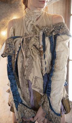 Sturla Vest with Embroidered Trim Details, Tattered Lace - La P'tite Môme Bohème Chic Bohemian Gypsy, Gypsy Style, Bohemian Style, My Style, Funky Style, Hippie Style, Boho Fashion Over 40, Quirky Fashion, Vintage Fashion