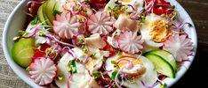 Kolorwa i pyszna sałatka wiosenna