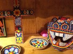 Dentro de la tienda de artesanías en el Restaurante La Casona, no pueden dejar de visitarlos !