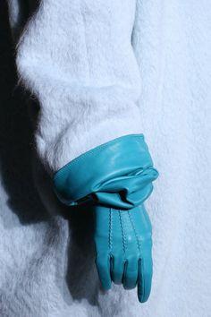 It Chic: Luvas longas e coloridas! #luvas #cor #coloridas #longas #fall2014…