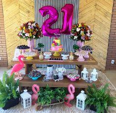 Festa 21 anos Aloha Party, Hawaiian Luau Party, Neon Party, Luau Party Decorations, 21st Birthday Decorations, Twenty First Birthday, Happy Birthday, 20s Party, Flamingo Birthday