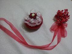 Lavanta kokulu çiçek detaylı kırmızı kadife kese