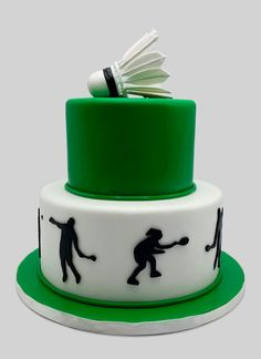 Badminton Silhouette - Confections by the sea Badminton, Sports Themed Cakes, Silhouette Cake, Cake Name, Sport Cakes, Sports Party, Cakes For Men, Useful Life Hacks, Custom Cakes