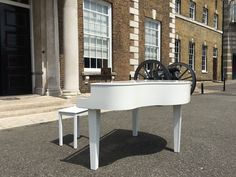 Honorary Artillery Company in City Road, London. A picture of our portable #baby #grand #piano #shell looking splendid in the grounds @simplyswingband