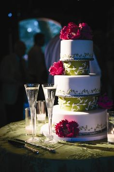 Vine Motif Wedding Cake | Fleur de Lisa | Arrowood Photography | TheKnot.com