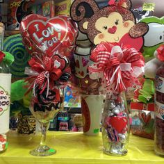 Learn how to make easy Valentines Gifts in a Jar for your boyfriend, girlfriend or coworker. You can buy all the supplies you need at your local dollar store for these budget friendly presents Valentines Day Baskets, Valentines Gifts For Boyfriend, Valentines Day Decorations, Valentine Day Crafts, Little Valentine, Boyfriend Gifts, Boyfriend Girlfriend, Valentines Baking, Valentine's Day Gift Baskets