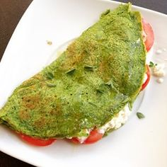 Crepioca verde 1 ovo  1 1/2 col. sopa de goma de tapioca  1/2 xícara de couve picada ou mais  sal, alho, cebola, temperos a gosto  Bater tudo no liquidificador e grelhar em forma untada com manteiga ou azeite.
