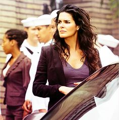 Angie Harmon as Jane Rizzoli.  Her hair is awesome and so is her body!