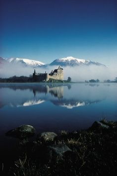 Kilchurn Castle, Loch Awe, Scotland. Oldest part of castle dates to 13th century, built by Clan Gregor.