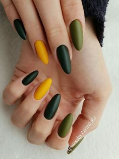 170 fall nail art ideas and autumn color combos to try on this season 96 Fancy Nails, Cute Nails, Pretty Nails, Cute Acrylic Nails, Pastel Nails, Gradient Nails, Nail Manicure, Nail Polish, Moon Manicure