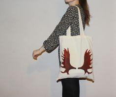 Lovely handmade moose antlers tote bag with long handles found on etsy 'ThreeLeggedMoose'/ self-made handbag/ nordic design/ cool statement Painted Bags, Hand Painted, Moose Antlers, Nordic Design, Market Bag, Handmade Design, Tote Bags, Shopping Bag, Totes