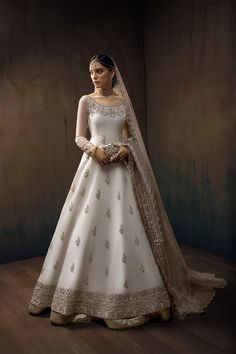 Pakistani Bridal Dresses Online, Latest Bridal Dresses, Asian Bridal Dresses, Asian Wedding Dress, Most Beautiful Wedding Dresses, Pakistani Bridal Wear, Wedding Dresses For Girls, Bridal Outfits, Bridal Lehenga