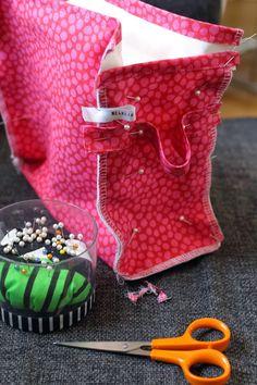 Melkein kuin uusi: Toilettilaukku: DIY Hermes Birkin, Weaving, Purses, Diy, Crafts, Bags, Toiletry Bag, Handbags, Handbags