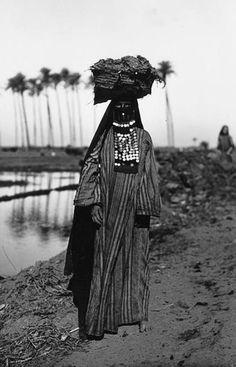 Africa | Bedouin woman. Egypt | ca. 1923