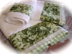 Bathroom towel set for the green and white bathroom. So decorative and chic…