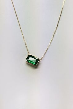 1 Carat Natural Green Emerald Gold Necklace by cestsla on Etsy Gold Bar Necklace, Emerald Necklace, Diamond Solitaire Necklace, Emerald Jewelry, Bridal Necklace, Diamond Earrings, Emerald Pendant, Diamond Pendant, Silver Earrings