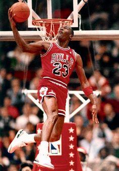 Sport - Just another WordPress site Basketball Jones, Basketball History, Basketball Legends, Michael Jordan Dunking, Michael Jordan Basketball, Nba Players, Basketball Players, Jordan Logo Wallpaper, Michael Jordan Poster