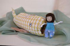 Jonáš a velryba/ žlutá / Zboží prodejce Pan Cecil Sunglasses Case, Boho, Bohemian