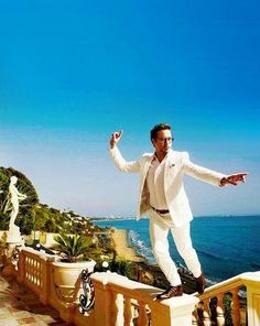 haha, Love him! RDJ