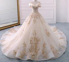 Top Wedding Dresses, Bridal Dresses, Wedding Gowns, Gold Wedding, Prom Dresses, Formal Dresses, Simple Elegant Wedding Dress, Wattpad, Chapel Train