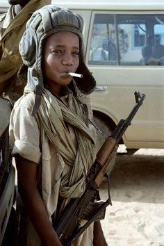 Human Trafficking and Slavery: Child Soldiers of Darfur – Suda… We Are The World, People Around The World, Fotografia Social, Poses References, War Photography, Family Photography, Photojournalism, Beautiful Children, Beautiful Women