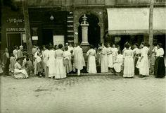 1910. El que era no tenir aigua a les cases. Carrer Aribau de Barcelona.