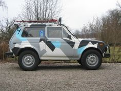 Lada Niva paint job
