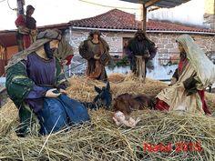 __MERRY CHRISTMAS. facebook_photo.jpg__ - Pinned by Mak Khalaf Presépio. Crib. Lit de bebe. Performing Arts Cribbragancanatalnoelportugalpresepio by ManuelVieira