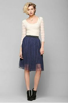 Urban Outfitters Blue Pins and Needles Ballerina Tulle Midi Skirt- size small. I love it, but never see myself breaking it out that often. Urban Outfitters Women, Pins And Needles, Girl Fashion, Ladies Fashion, Style Fashion, Fashion Trends, Midi Skirt, Tulle, Chiffon