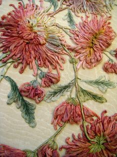 Hand Embroidery Flowers, Silk Ribbon Embroidery, Crewel Embroidery, Hand Embroidery Designs, Embroidered Flowers, Embroidery Patterns, Sculpture Textile, Art Textile, Ribbon Art