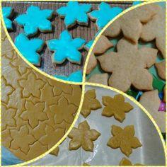 #galletas #flores #royalicing #vainilla #pasatiempo #mispastelitos Dec 30, Gingerbread Cookies, Sugar, Instagram Posts, Desserts, Food, Vanilla, Pastries, Step By Step
