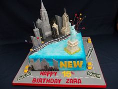 New York cake, with Empire state building, Crysler Tower, Statue of Liberty, and Taxi's! Nyc Cake, City Cake, Happy 15th Birthday, 16 Birthday Cake, Birthday Ideas, Building Cake, New York Cake, Suitcase Cake, Godzilla Birthday