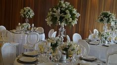 Decoração Eliana Brandão Brasilia Palace Hotel. Cores clássicas, branco, verde e dourado.