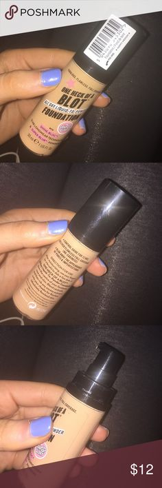 🌟💖 Soap and glory one heck of a blot foundation Foundation, used, just don't reach for it anymore! Still a decent amount left for use :) shade = happy medium Ulta Makeup Foundation
