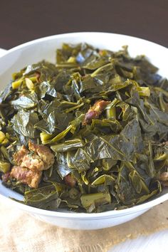 Plenty of flavor and savory smoked pork or turkey that makes this Southern Collard Greens Recipe divine! Perfect for your Thanksgiving holiday meal! ** Click image to read more details. Side Dish Recipes, Veggie Recipes, Green Vegetable Recipes, Vegetable Bake, Oven Recipes, Fish Recipes, Southern Collard Greens, Best Collard Greens Recipe, Collard Greens Seasoning Recipe